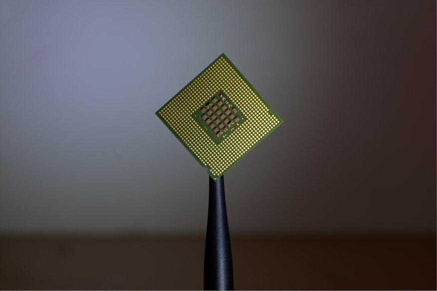 Implantes cerebrales - microchips - NeuroClass