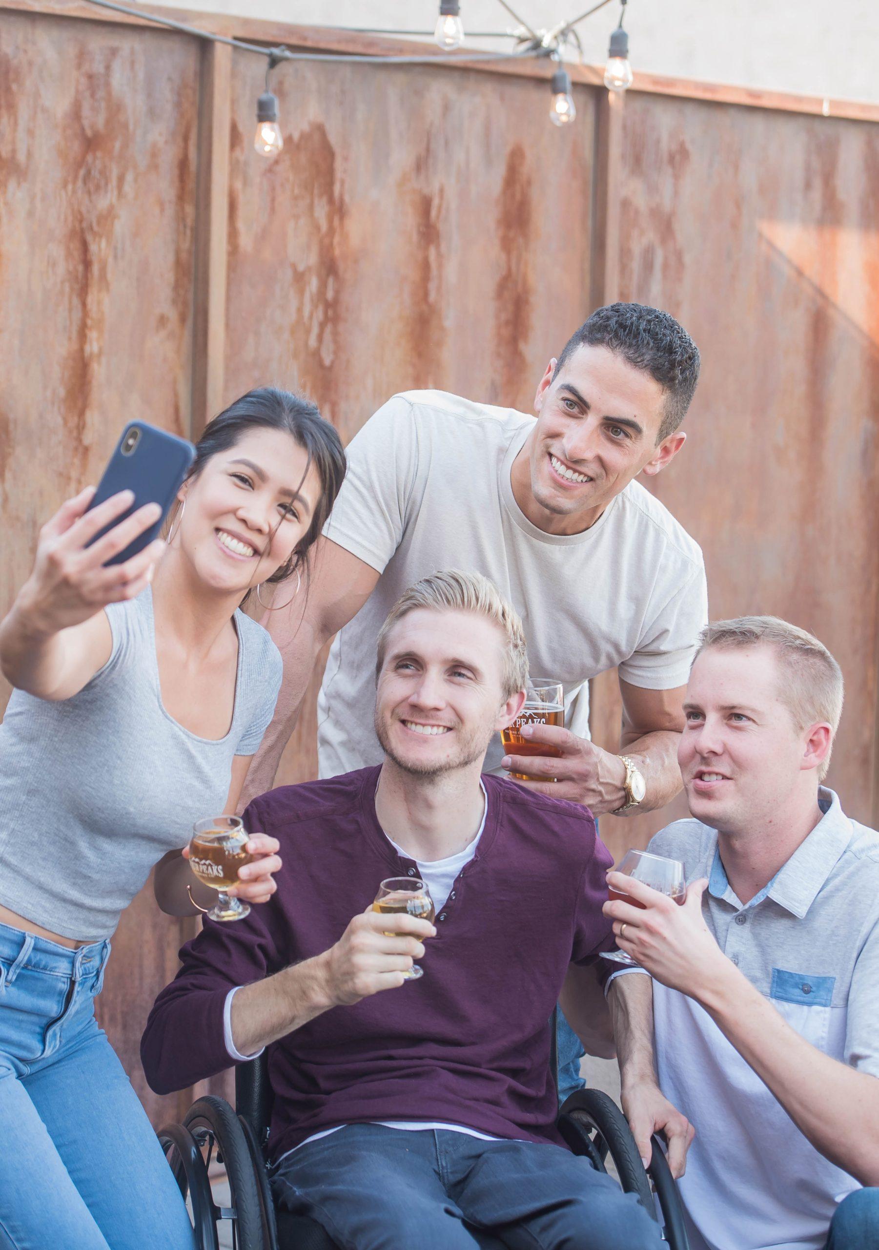 familia y amigos en RHB funciones ejecutivas NeuroClass