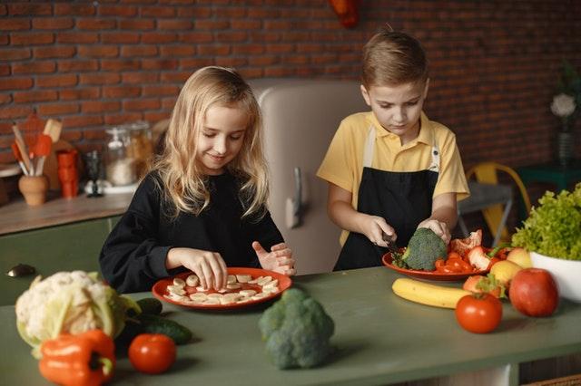Rutina-en-casa-para- niños-y-actividades-en-familia-NeuroClass