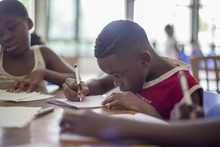 El-cerebro-que-escribe-áreasy-factores-cognitivos-implicados-en-la-escritura
